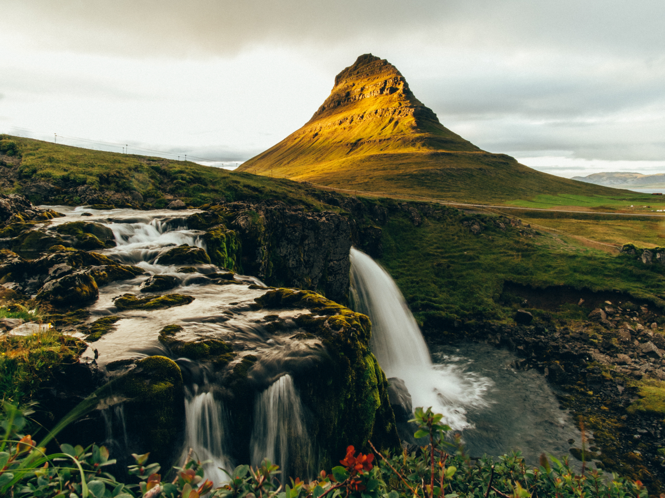 Kirkjufell and Kirkjufellsfoss
