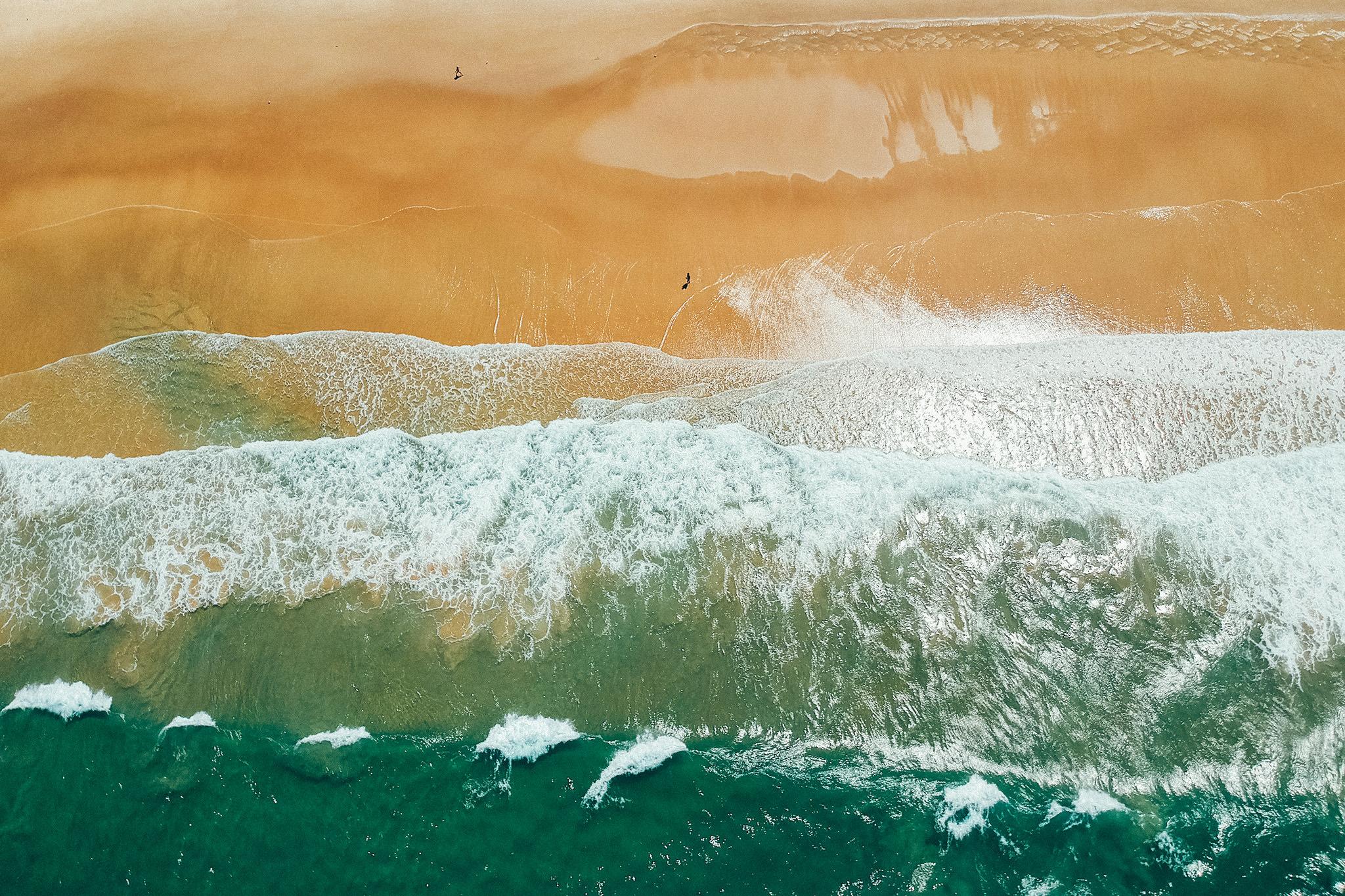Massive Waves on Gold Coast